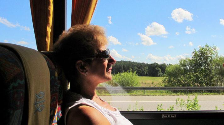 Sonntag: Fahrt mit dem Bus zur Mecklenburgischen Seenplatte.