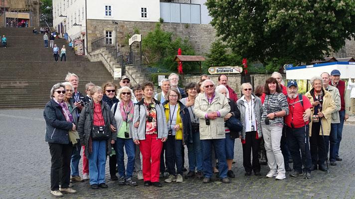Donnerstag: Gruppenfoto in Erfurt vor Dom und Severikirche