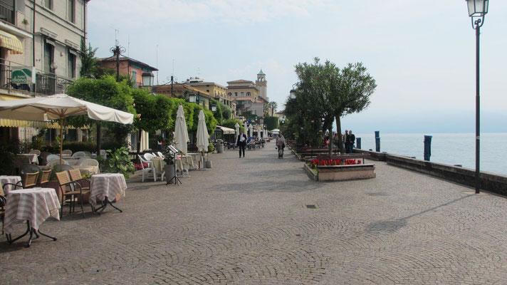Sonntag: Gardone Riviera, Promenade am Gardasee