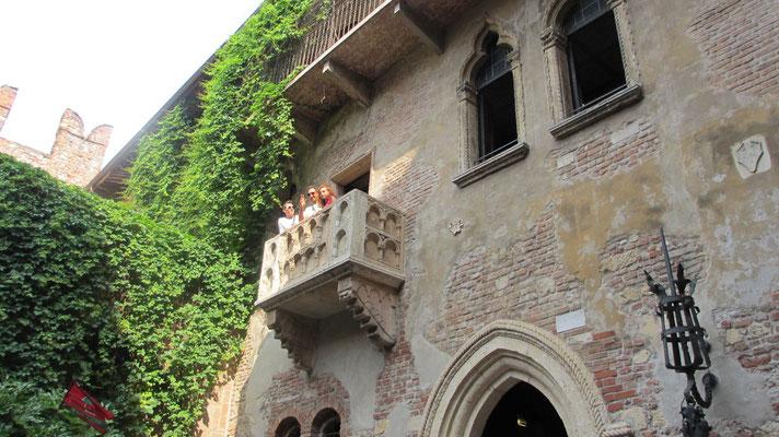 Samstag: Verona, Berühmter Balkon von Julia und Romeo