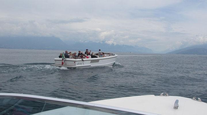 Montag: Bootsfahrt nach Sirmione am Gardasee mit kleinen Privatbooten