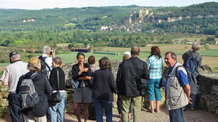 Dienstag: Dordogne Flusstal, Aussichtspunkt mit Blick ins Dordogne Tal