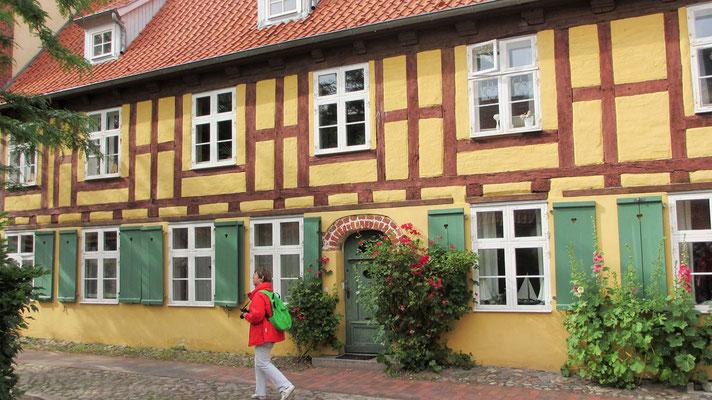 Montag: Fachwerkhäuser in Stralsund.