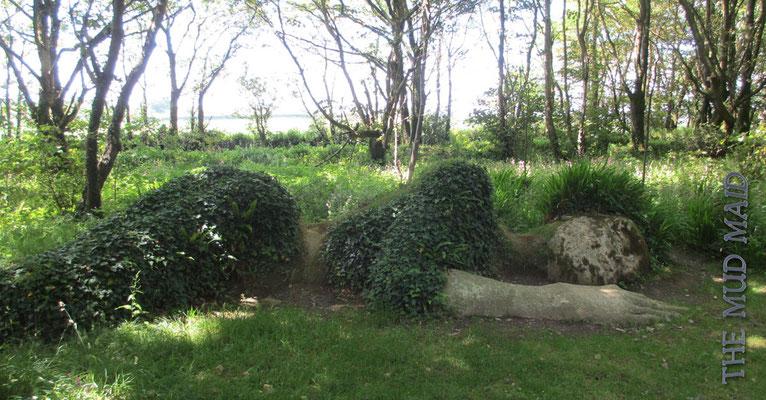 """Donnerstag: Besuch der """"Lost Gardens of Heligan"""". Diese Pflanzenformation zeigt die """"Mud Maid""""."""