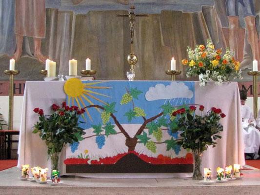 Das Altarbild ist jetzt fertig.