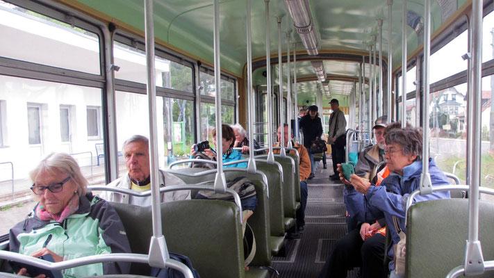 Mittwoch: Fahrt mit der Thüringer Waldbahn von Eisenach nach Gotha