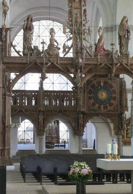 Dienstag: Der Dom zu Lübeck ist der erste große Backsteinkirchbau an der Ostsee.