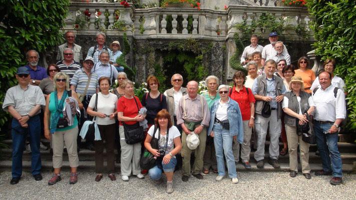 Freitag: Gruppenfoto vor der Villa Carlotta