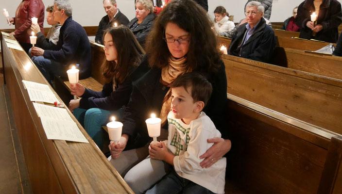 Auferstehungsfeier am Ostersonntag  um 5:00 Früh, Geduldsprobe für Kinder