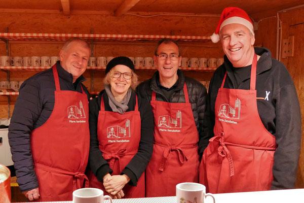 Punschhütten Team am ersten Advent-Samstag.