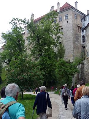 Montag: Aufstieg zum Schloss in Krumau