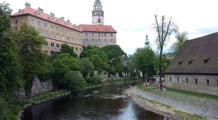Montag: Blick auf die Moldau vom Schloss Krumau