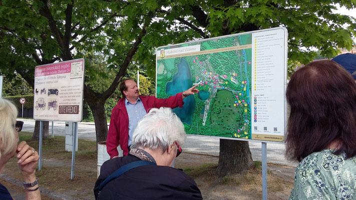 Montag: Zwischenstopp in der tschechischen Kleinstadt Hruboka  auf der Rückreise nach Wien