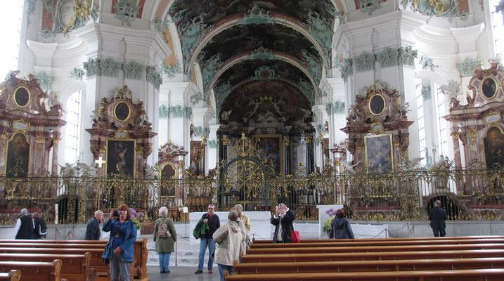 Mittwoch: Stiftskirche von St.Gallen (innen).