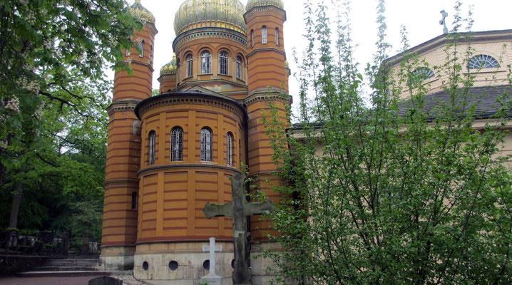 Dienstag: Russich-orthodoxe Grabkapelle auf dem historischen Friedhof von Weimar