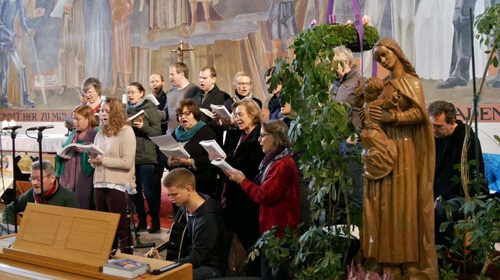Dritter Adventsonntag mit dem Quo-Vadis Chor.