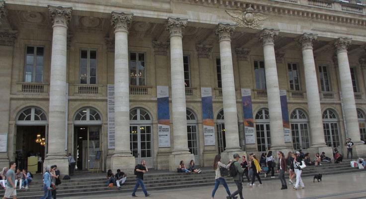 Mittwoch: Bordeaux, Grand Theatre und Oper