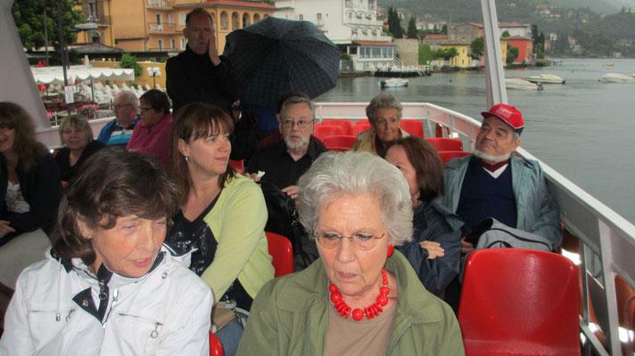 Sonntag: Schifffahrt am Gardasee von Limone sul Garda nach Riva