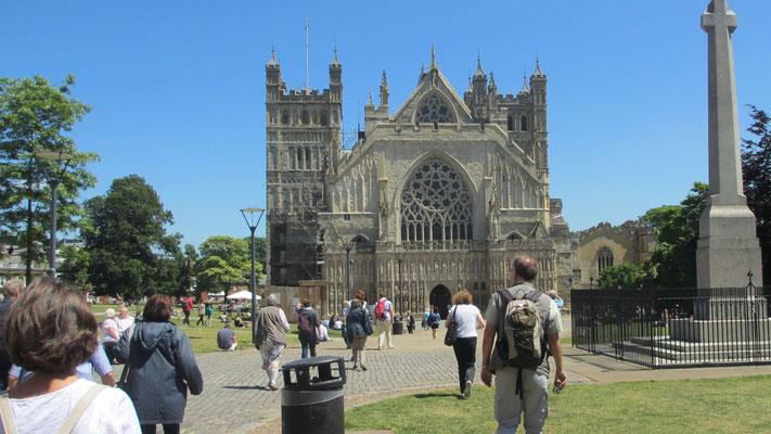 Freitag: Die Kathedrale von Exeter, das wohl bekannteste Bauwerk gotischer Architektur in England.
