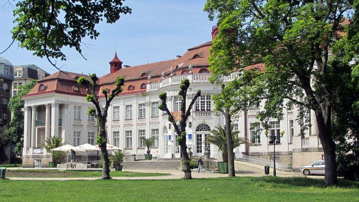 Sonntag: Elisabeth-Bad in Karlsbad