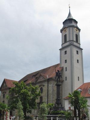 """Donnerstag: Katholisches Münster """"Unserer Lieben Frau"""" am Marktplatz von Lindau, gleich neben der evangelischen St.Stephans Kirche."""