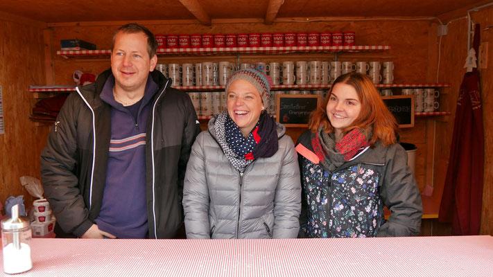Punschhütten Team am ersten Adventsonntag