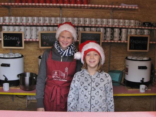 Erster Advent Sonntag, Punschhütten Team (Klara Marie + Marie Therese)