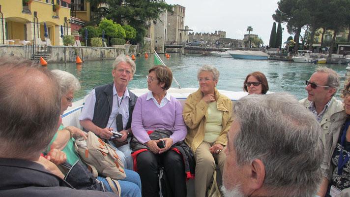 Montag: Bootsfahrt um die Halbinsel Sirmione am Gardasee
