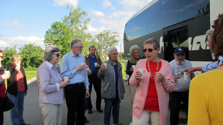 Samstag: Sektumtrunk vor der Rückfahrt von Bad Frankenhausen nach Gotha