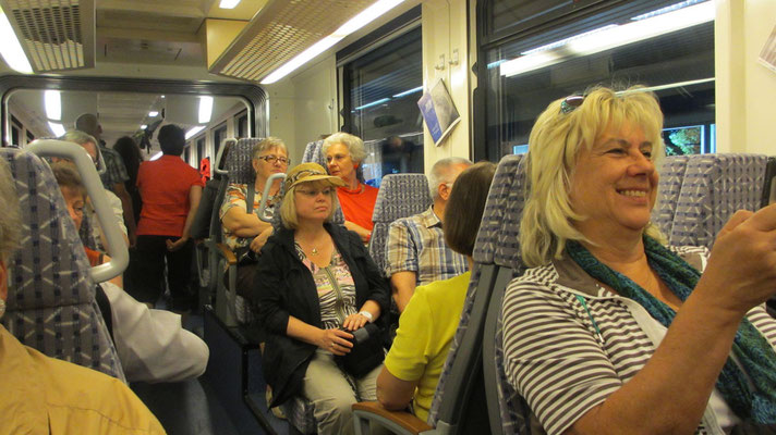 Mittwoch: Fahrt in der Centovalli Bahn