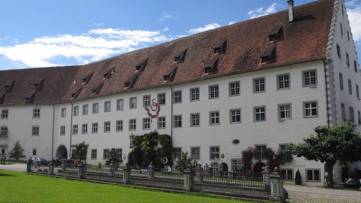 Samstag: Die Elite Schule und Internat beim Schloss Salem.