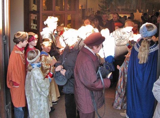 6.Jänner - Sternsinger in der Dreikönigsmesse, Sammlung nach der Messe
