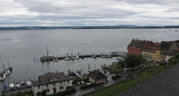 Freitag: Blick auf den Bodensee vom Neuen Schloss in Meersburg.