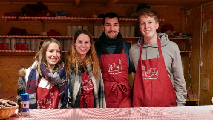Punschütten-Team am zweiten Adventsamstag
