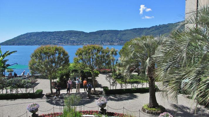 Dienstag: Blick von der Isola Pescatori auf den Lago Maggiore