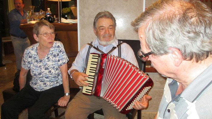 Freitag: Abschlussabend im Hotel in Verbania am Lago Maggiore