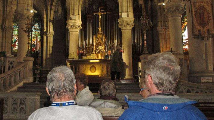Freitag: Biarritz, Messe in der Kirche Sainte-Eugénie