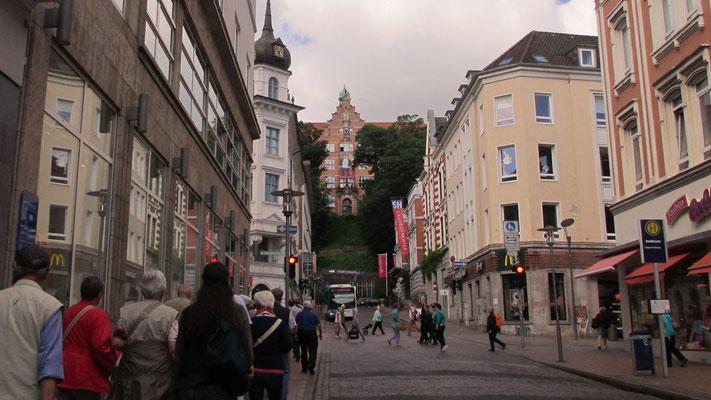 Donnerstag: Stadtrundgang durch die schöne Altstadt von Flensburg.