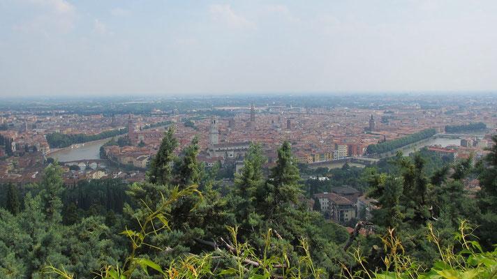 Samstag: Blick über die Altstadt von Verona