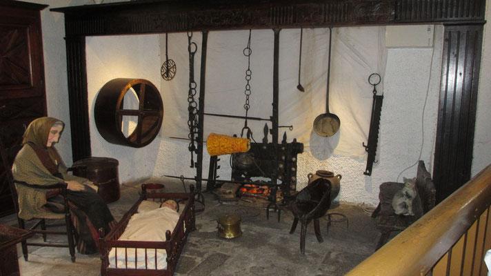 Sonntag: Burg von Lourdes, Heimatmuseum