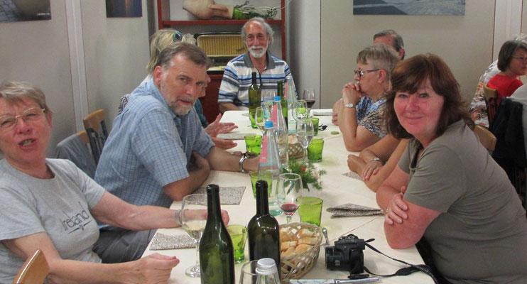 Donnerstag: Gemeinsames Mittagessen in Pallanzana