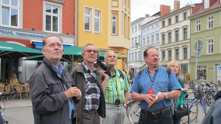 Montag: Stralsund ist eine sehenswerte Stadt auf der Insel Rügen.