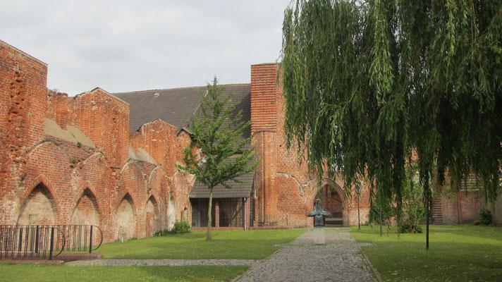 Montag: Franziskaner Kloster St.Johannis in Stralsund.