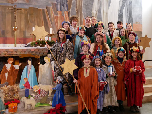 Dritter Tag: Sternsinger Messe, Gruppenfoto.
