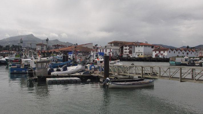 Freitag: Hafen von St. Jean de Luz