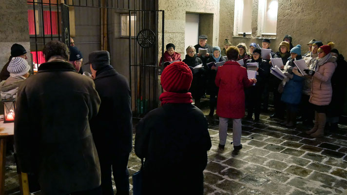 Dritter Adventsamstag, es singt der Kirchenchor