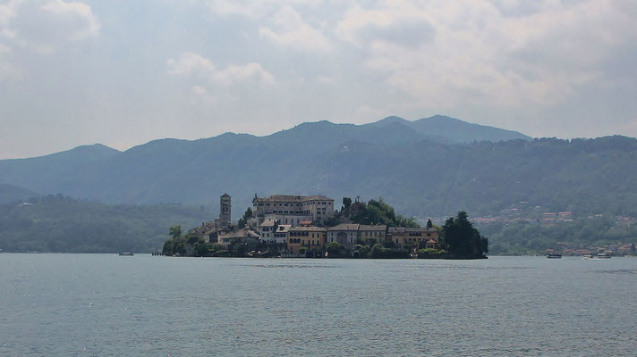Donnerstag: Insel San Guilio im Orta See