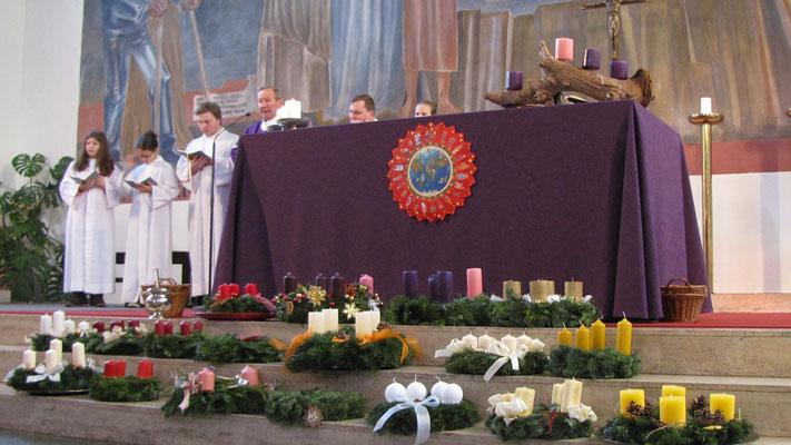 Erster Adventsonntag, mit Adventkranzweihe