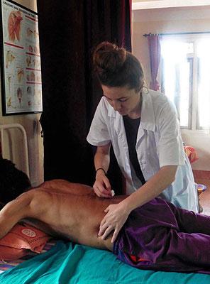 Unterstütztes Projekt Acupuncture Relief Project Nepal Medizinische Erstversorgung Corin Koster Akupunktur