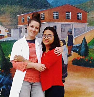 Unterstütztes Projekt Acupuncture Relief Project Nepal Medizinische Erstversorgung Corin Koster und Übersetzerin